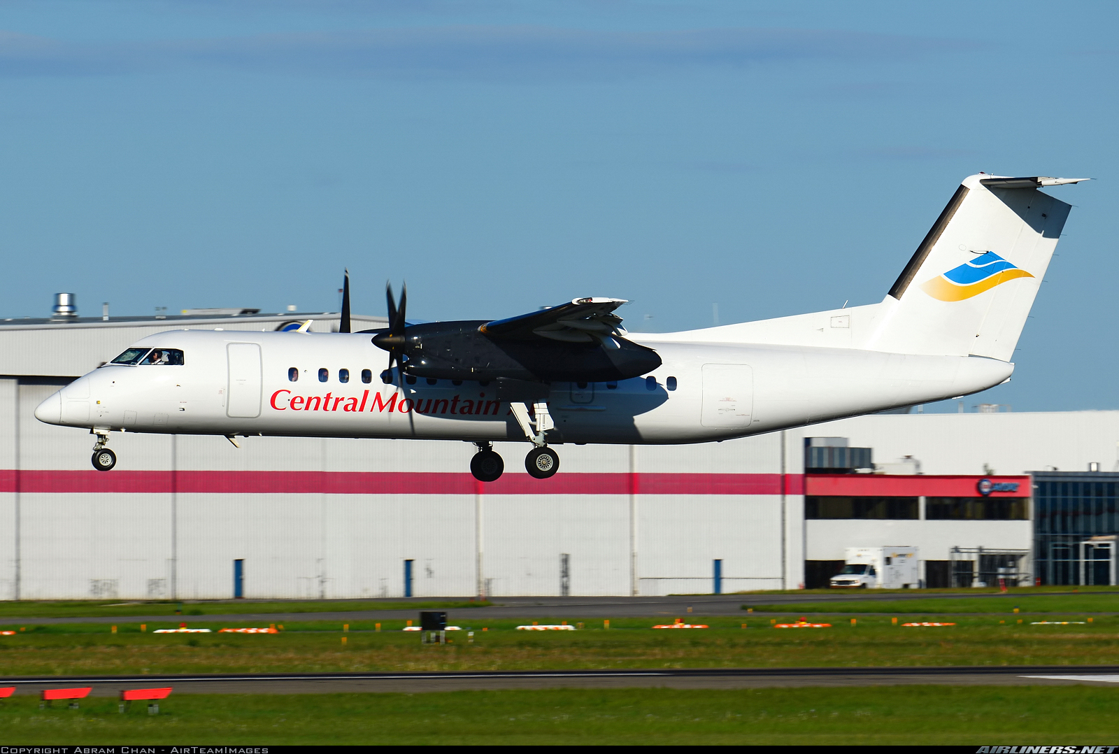 CMA Dash 8 Airlinersdotnet